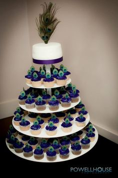wedding cupcakes peacock