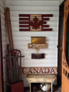 Had a hard time finding patriotic themed items. Flag, signs and bench. Canada Day Party, Wine Wall Art, Canada House, Front Porch Signs, Flag Signs, Summer Porch, Canada 150, Deck Decorating, Decor Ideas