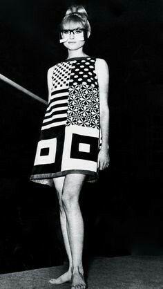 Fashion outfits retro 27 ideas for 2019 - Dresses for Women Sixties Fashion, Mod Fashion, Fashion Art, Trendy Fashion, Vintage Fashion, Fashion Looks, Fashion Tips, Fashion Design, Fashion Trends