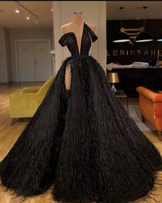 How would you rock this black We Focus on Hollywood Entertainment News, Wedding Dresses, Lifestyle, Fashion, Aso Ebi series and other media contents aimed at US and Pan-African audiences Pretty Prom Dresses, Glam Dresses, Event Dresses, Stunning Dresses, Beautiful Gowns, Cute Dresses, Fashion Dresses, Sexy Dresses, Summer Dresses
