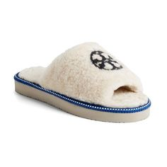 4e940f0a900b Tory Burch Logo Slipper (745 VEF) ❤ liked on Polyvore featuring shoes and  slippers