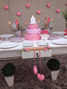Bridal shower cake table