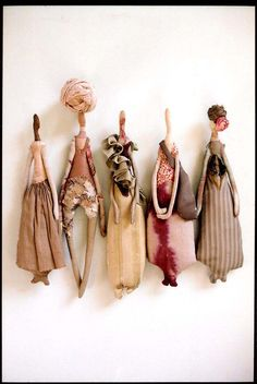 Manon Gignoux, a French Stylist, Artist with incredible vision for re-purposing clothing and textiles has an incredible portfolio. Fabric Dolls, Fabric Art, Softies, Art Du Fil, 3d Modelle, Art Textile, Paperclay, Soft Dolls, Soft Sculpture