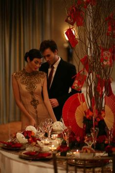 chinese wedding centerpiece | giant red fans with red envelopes