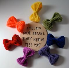 How to make a crochet bow