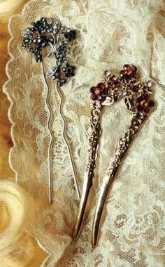 Gorgeous antique hair pins, yes so girlie and feminine!