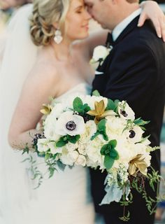 #anemone and #goldleaf bouquet by Julia Rohde Designs Photography: Kat Braman Photography - www.katbramanphotography.com Read More: http://www.stylemepretty.com/2014/09/17/vintage-glamour-at-the-boca-resort/