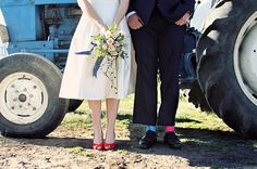 uk farm weddings | bloved-uk-wedding-blog-real-wedding-south-african-farm-with-pops-of ...