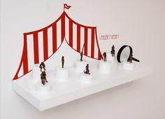 """""""¡Pasen y vean!, escultura de bronce. Laura Salguero, artista emergente, en Twin Gallery."""""""