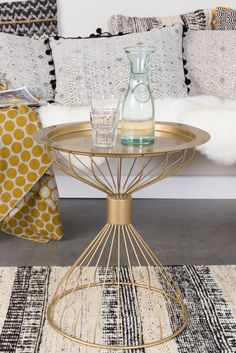 Kelly tray side table