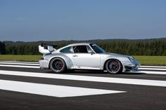 Mcchip-DKR Porsche 993 GT2 Turbo Widebody MC600 Picture #05