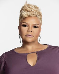 Gospel Artist Tamela Mann was honored to receive a 2017 Billboard Music Award for Top Gospel Album for her Billboard No. Cute Hairstyles For Short Hair, My Hairstyle, Black Girls Hairstyles, Curly Hair Styles, Natural Hair Styles, Amazing Hairstyles, Pixie Styles, Hairstyles 2018, Short Styles