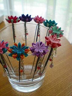 Origami bow tutorial kanzashi flowers Ideas for Origami Bow, Fabric Origami, Origami Fish, Origami Folding, Origami Flowers Tutorial, Flower Tutorial, Origami Box With Lid, Felt Hair Accessories, Kanzashi Flowers