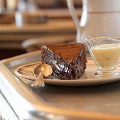 Fondant au chocolat plus que fondant, pas cher Chocolate Fondant, Chocolate Desserts, Molten Lava Cakes, Sweet Recipes, Dessert Recipes, Cooking Recipes, Cooking Ideas, Yummy Food, Favorite Recipes