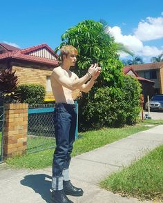 """170201 @jj_1986_jj """"when I took a picture of me"""".- Jaejoong in Australia"""