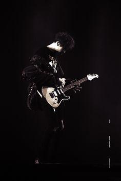 #chanyeol #チャニョル #灿烈 #朴灿烈 #찬열 #박찬열 #pcy #parkchanyel #exochanyeol #exo #proudofyoupcy #kpopidol #Kpop #Koreanstar #kpopstar #guitar #exordium #electricguitar #チャンヨル