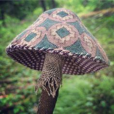 @srithreads mushroom (poisonous)