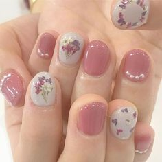 Cute nail art ideas how to do a diy hand pampering session 22 – wonders style Cute Nail Art, Cute Nails, Pretty Nails, My Nails, Minimalist Nails, Soft Nails, Simple Nails, Nail Swag, Korean Nail Art