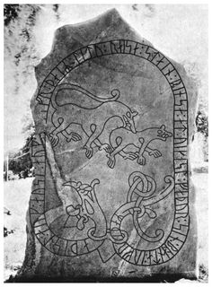 "(Words and memories from the era of the vikings. Written in ""runor"", ol… Runsten! (Words and memories from the era of the vikings. Written in ""runor"", old characters in large stones. Viking Art, Viking Runes, Viking Woman, Ancient Runes, Ancient Art, Les Runes, Viking Tattoos, Wiccan Tattoos, Viking Designs"