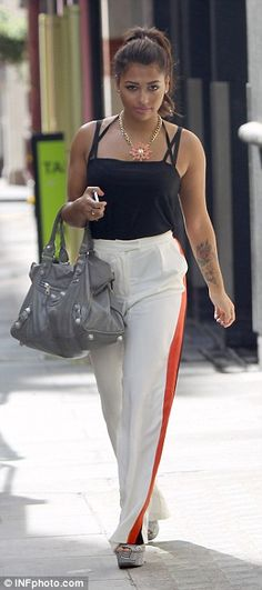 No need to panic: Pregnant Frankie Sandford looks brilliant in blue after getting comfortable with maternity style Frankie Sandford, Rochelle Humes, Mollie King, Her Cut, Girl Bands, Maternity Fashion, Supreme, White Jeans, Classy