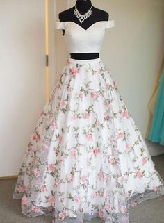 White two pieces tulle long prom dress, tulle evening dress 0021 - atemberaubende kleider Floral Prom Dresses, Pretty Prom Dresses, Grad Dresses, Elegant Dresses, Beautiful Dresses, Long Dresses, Casual Dresses, Chiffon Dresses, Fall Dresses