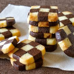 Create Eat Happy :) Kawaii Japanese Recipes and Cooking Hacks: How to Make EASY Checkerboard Cookies (Ice Box Coo. Icebox Cookies, No Bake Cookies, Japanese Cookies, Kolaci I Torte, Eat Happy, Cookie Videos, Cookie Box, Sweet Pastries, Biscuit Recipe