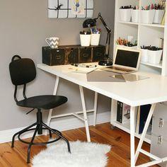 Zauroczone w najnowszej kolekcji Kullaberg z IKEA krzesełko obrotowe to nasz faworyt 😘 Na blogu mamy KONKURS do zdobycia 3 bony o wartości 100 zł do IKEA, to już połowa krzesełka 😋 Zapraszamy link w bio #panitopotrafi #konkurs  #realizacja #metamorfoza # #pokojnastolatki #pokojdziecka #biurko #officedesk #Ikea #Kullaberg #interordesign #interor #phototheday #ikeawroclaw #scandinaviandesign #blackandwithe @ikeapolska