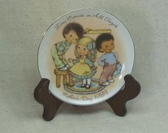 Check out Vintage 1984 AVON Small Collector Dish, Mothers Day Love Comes in All Sizes, day 1984,Gold Edge,3 Small Children#VH7122 on ckdesignsforyou