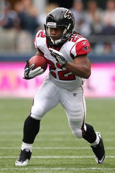 Jacquizz Rodgers.  You were also an extremely short-lived and unremarkable acquisition.  I do, however, sorta feel sorry for you for being on the Falcons this year.