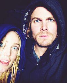 Caity Lotz & Stephen Amell - Arrow