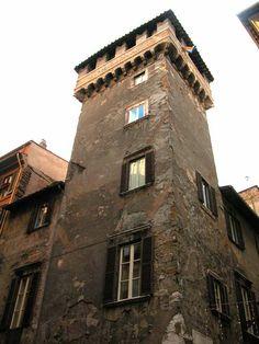 Torre di Palazzo dei Millini - XIII sec, restaurata nel XV sec. - Piazza Navona, Roma