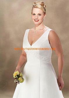 Robe de mariée grande taille col V