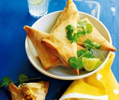 Triangular parcels filled with chicken and sweetcorn Asda Recipes, Pastry Recipes, Turkey Recipes, Chicken Recipes, Samosa Recipe, Filo Pastry, Samosas, Thing 1, Appetisers