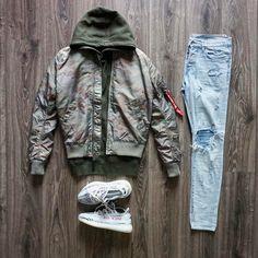 "1,823 Likes, 52 Comments - Kicks On My Feet (@kicksonmyfeet_) on Instagram: ""Today's #outfit @asos shirt @kithnyc #laguardiatee @Riverisland denim @nikesportswear #airforce1…"""