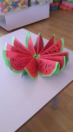 Gorgeous folded paper sunflower craft that makes a perfect summer kids craft, fun flower crafts for kids and paper crafts for kids. Summer Crafts For Kids, Paper Crafts For Kids, Spring Crafts, Diy For Kids, Easy Crafts, Diy And Crafts, Fruit Crafts, Watermelon Crafts, Watermelon Fruit
