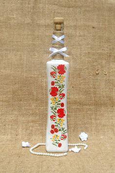 Magyaros mintájú festett szülőköszöntő pálinkás üveg