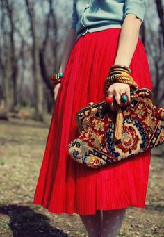 The colors, the tights, skirt and cardigan. So pretty. Red Fashion, Purs, Women Bags, Carpet Bag, Long Skirts, Clutch, Bold Colors, Blues, Style Fashion