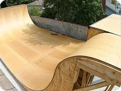 Ramp Surface is a skateboard ramp materials dealer of Skatelite Pro and Ramp Armor and a resource for ramp plans and templates. Bmx, Skate Ramp, Skate Surf, Scooter Ramps, Scooter Scooter, Half Pipe Plans, Backyard Skatepark, Ramp Stairs, Skateboard Furniture