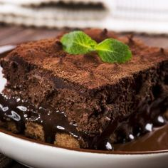 This fudge brownie cake brings two incredible dessert classics together…