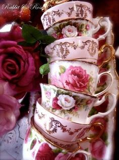 Shabby Chic Tea Cups for a gorgeous High Tea. Vintage Dishes, Vintage China, Vintage Teacups, Shabby Vintage, Teapots And Cups, China Tea Cups, My Cup Of Tea, Tea Cup Saucer, High Tea