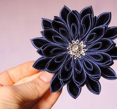 Tutorial DIY fabric flower - satin kanzashi chrysanthemum - completed
