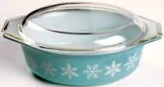 Aqua Snowflake 1 1/2 Qt. Casserole and Lid - Found one of these little jewels in a thrift/antique shop over the weekend for $3!! Yayyyyy me!!!