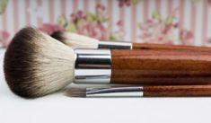 Make up Brush. wooden handle make up brush - Make up Brush. wooden handle make up brush - Best Makeup Tips, Best Makeup Brushes, Best Makeup Products, Makeup Tricks, Natural Products, Bright Makeup, Bright Lips, Gel Eyeliner, Red Lipsticks
