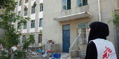 Les compartimos el testimonio de nuestra compañera Crystal van Leeuwen, quien acaba de terminar su más reciente misión en #Yemen y nos habla de las dificultades para llevar atención a las personas a ambos lados de la línea del frente.