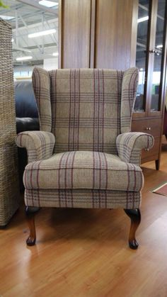 Love to have a wingback chair in the living room! I NEED this chair! Tartan Chair, Tartan Fabric, New Living Room, Living Room Chairs, Home And Living, Living Room Decor, Dining Chairs, Lounge Chairs, Country Decor