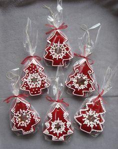 Decorating ~~ gingerbread cookies!:
