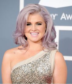 For some reason I loved her hair color at the Grammys!