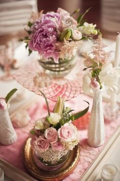 Pink Depression Glass Wedding Centerpieces with milk glass vases and frames Vintage Wedding Flowers, Vintage Roses, Pink Centerpieces, Centerpiece Ideas, Raindrops And Roses, Pink Depression Glass, Arte Floral, Vintage China, Our Wedding