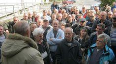Протест бивших радника Желвоза - http://www.vaseljenska.com/wp-content/uploads/2017/02/01_zelvoz_protest.jpg  - http://www.vaseljenska.com/drustvo/protest-bivsih-radnika-zelvoza/