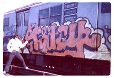 style is the key Love Graffiti, Graffiti Lettering, Nyc Subway, Subway Art, Graffiti History, Famous Graffiti Artists, Art Graf, Old School Pictures, Graffiti Photography